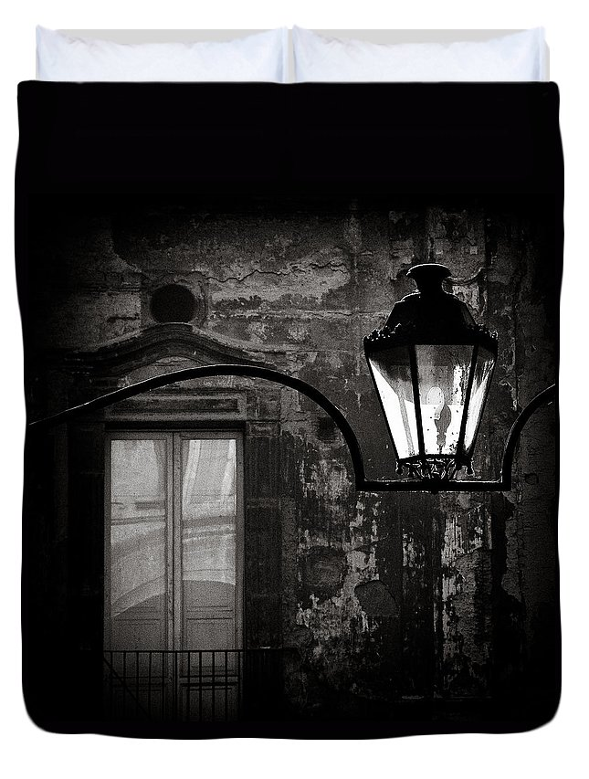 Naples Duvet Cover featuring the photograph Old Lamp by Dave Bowman