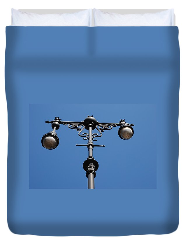 Lamppost Duvet Cover featuring the photograph Old Lamppost by Rob Hans