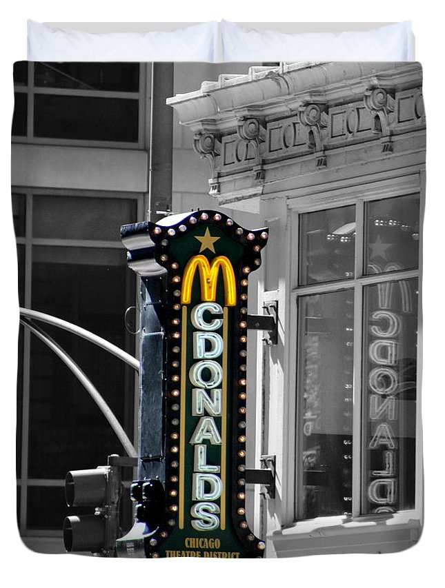 Old Mcdonalds Sign In Downtown Chicago Selective Coloring Duvet
