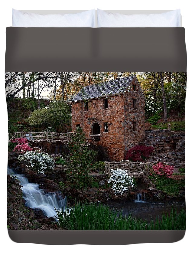 Old Mill Duvet Cover featuring the photograph Old Mill by Renee Hardison