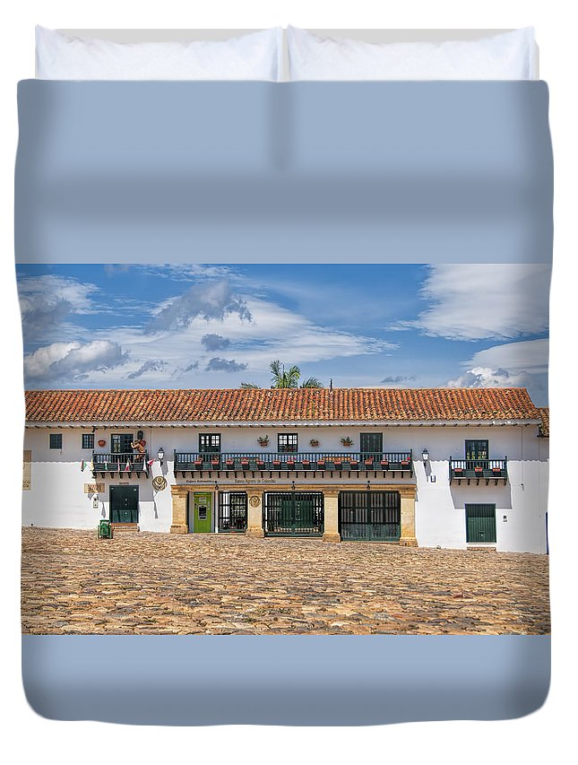 Plaza Town Landscape Land Street View Duvet Cover featuring the photograph Old Plaza by LOsorio Photography