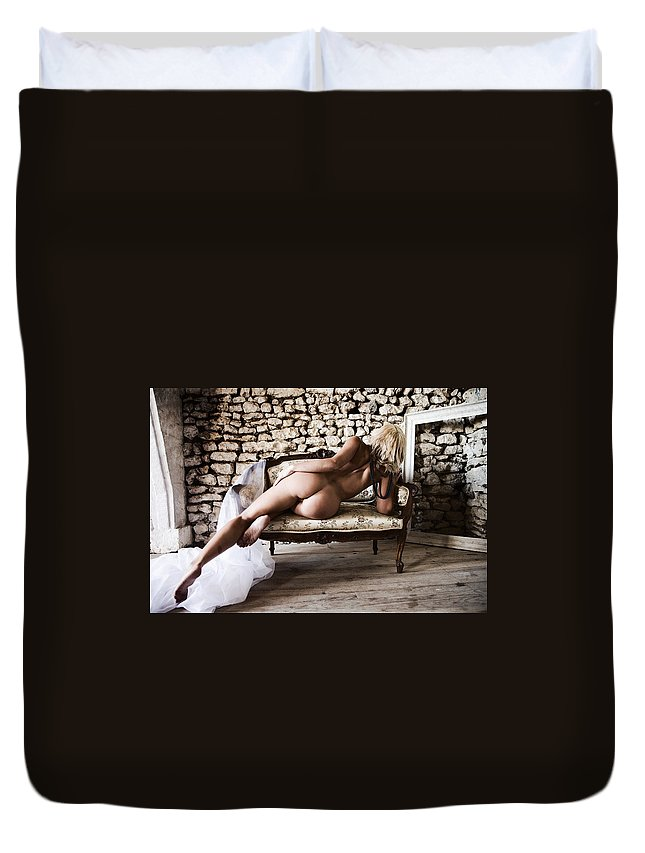Sensual Duvet Cover featuring the photograph Old Room by Olivier De Rycke
