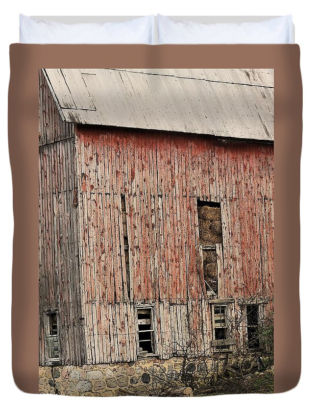 Farms Duvet Cover featuring the photograph Old Rugged Barn #2 by G Berry