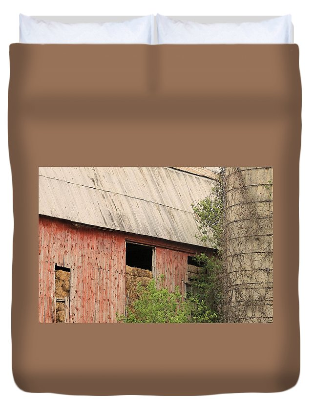 Farms Duvet Cover featuring the photograph Old Rugged Barn #4 by G Berry