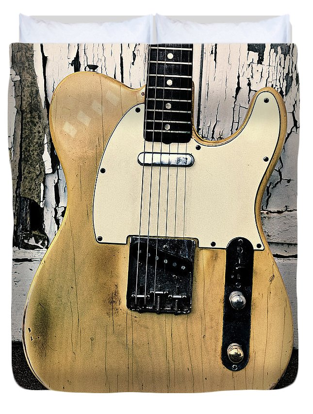 Fender Telecaster Duvet Cover featuring the digital art Old Tele by Habile Photography