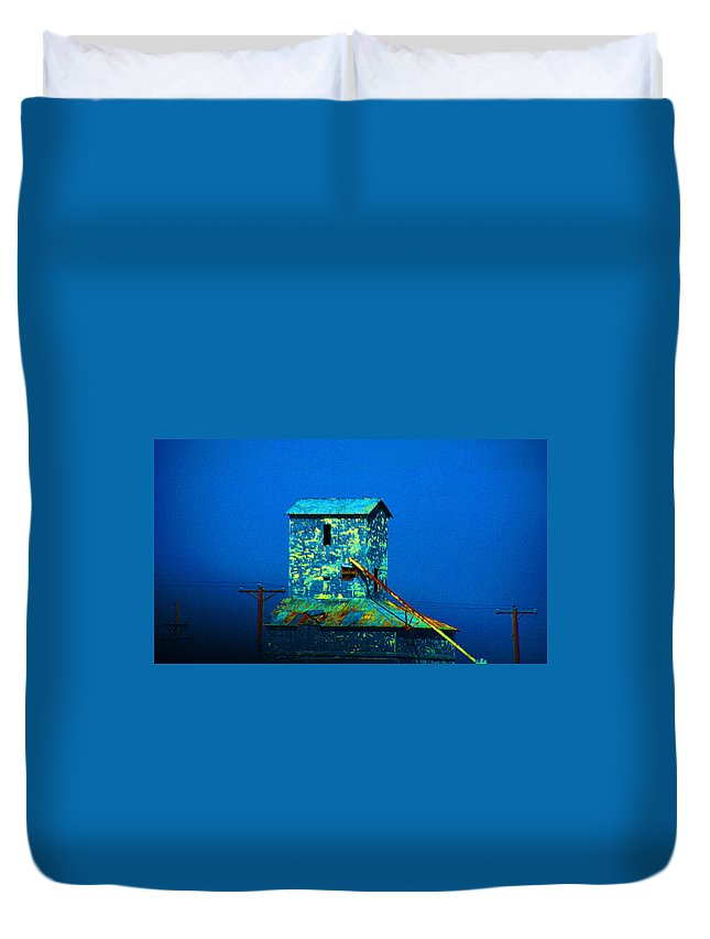 Mill Duvet Cover featuring the photograph Old Texas Mill by Susanne Van Hulst