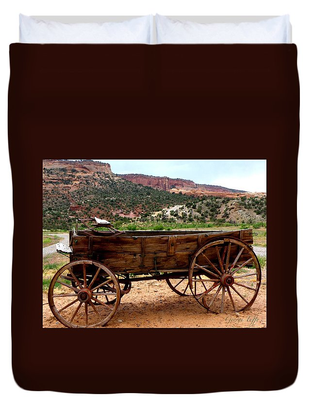 Old Wagon Duvet Cover featuring the photograph Old Wagon by George Tuffy