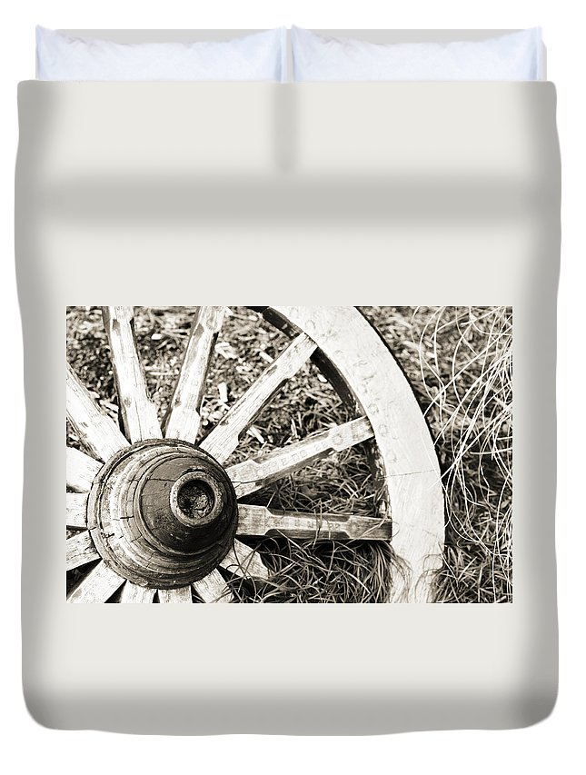 Artsy Duvet Cover featuring the photograph Old Wagon Wheel by Marilyn Hunt