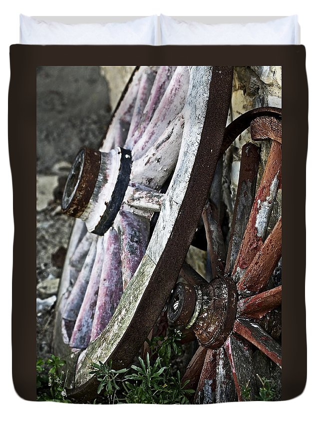 Old Duvet Cover featuring the photograph Old Wagon Wheels by Marilyn Hunt