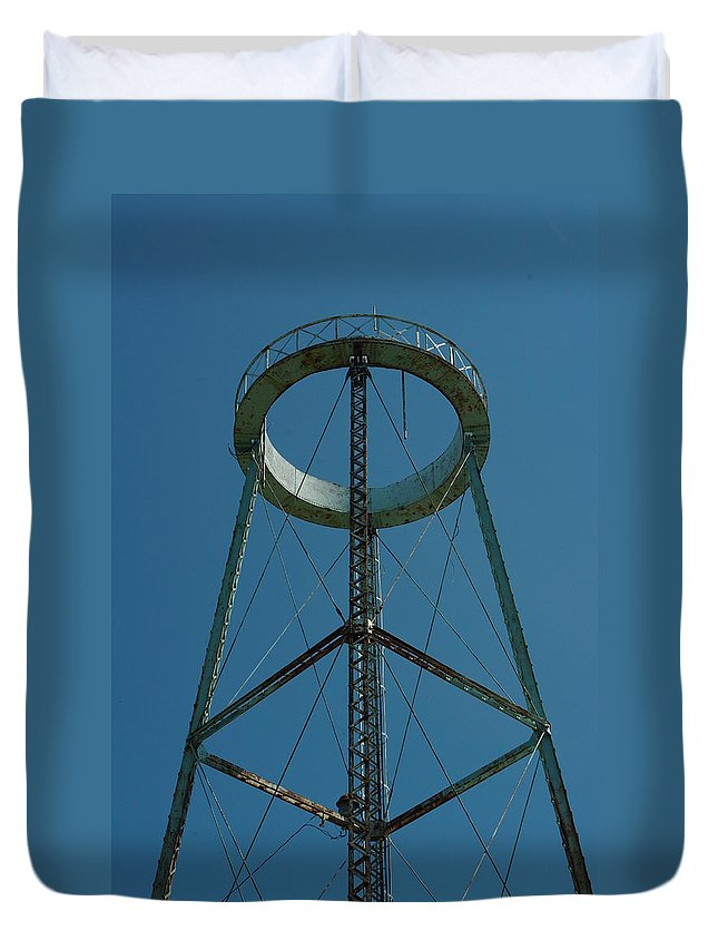 Watertower Duvet Cover featuring the photograph Old Watertower by Alice Markham