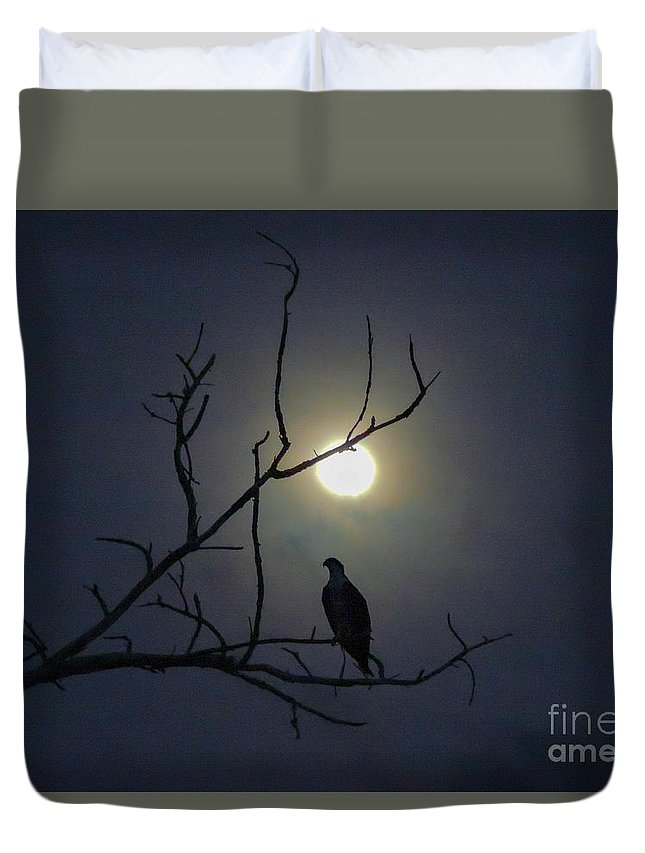 Osprey Duvet Cover featuring the photograph Ominous Silhouette by Marilee Noland