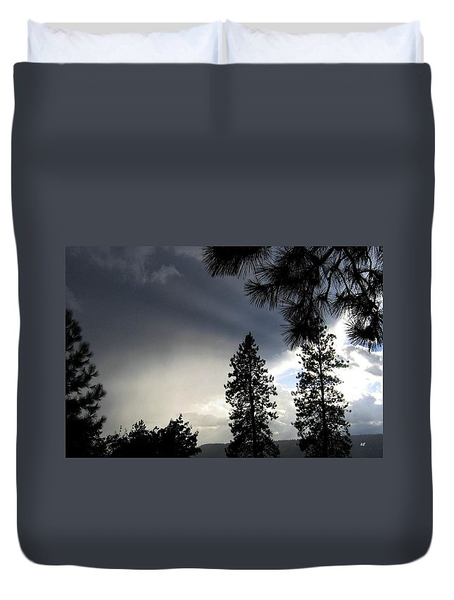 Sky Duvet Cover featuring the photograph Ominous Sky by Will Borden