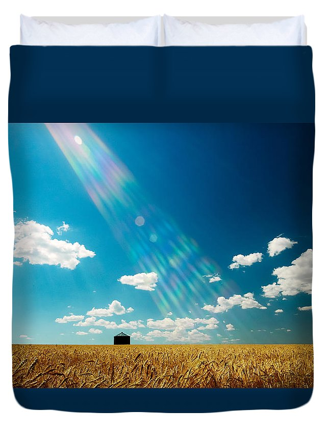 Horizontal Duvet Cover featuring the photograph Omnipotent by Todd Klassy