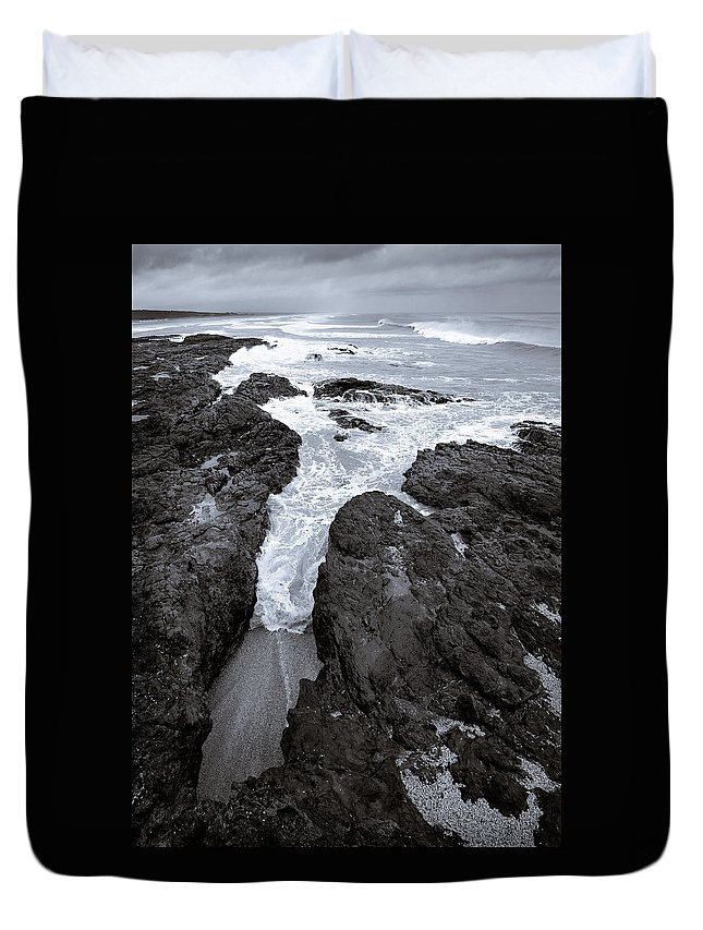 New Zealand Duvet Cover featuring the photograph On The Rocks by Dave Bowman