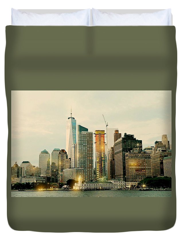 Manhattan Duvet Cover featuring the photograph One World Trade Center by Diana Angstadt