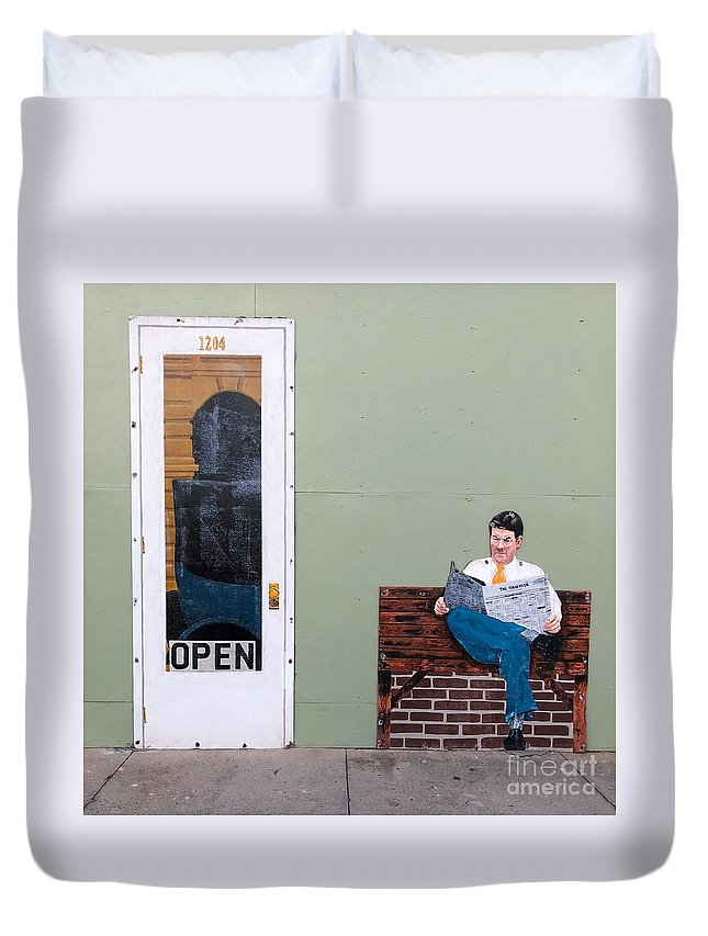Wall Art Duvet Cover featuring the photograph Open by Flavia Westerwelle