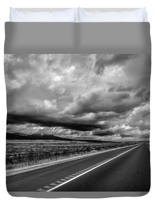 Sky Duvet Cover featuring the photograph Open Road by Michael Romano