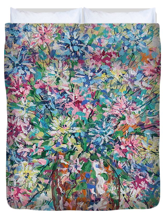 Painting Duvet Cover featuring the painting Opulent Bouquet. by Leonard Holland