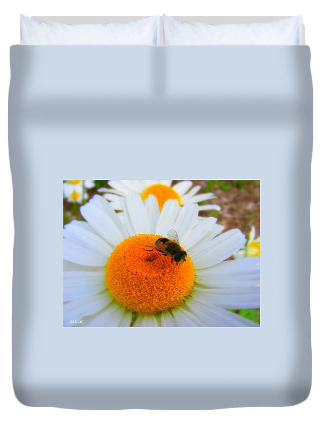 Orange Aid Duvet Cover featuring the photograph Orange Aid by Ed Smith