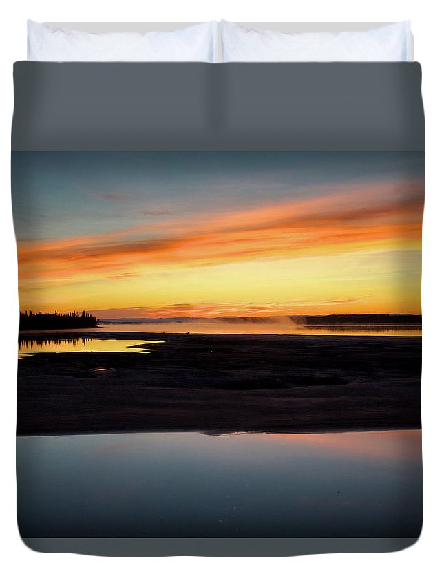Canada Duvet Cover featuring the photograph Orange And Blue by Alberto Audisio