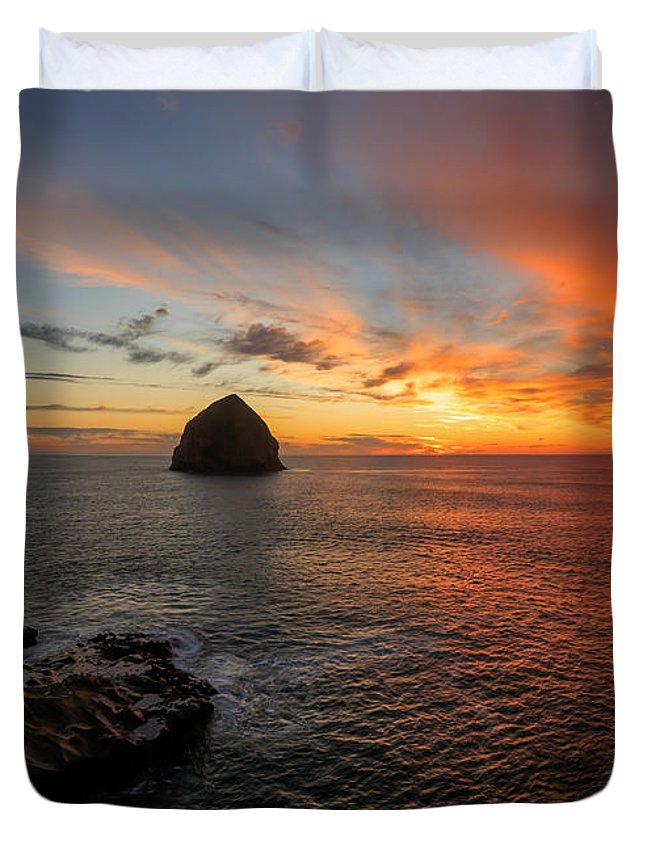Beach Duvet Cover featuring the photograph Oregon Coast Sunset by Sungwook Choi