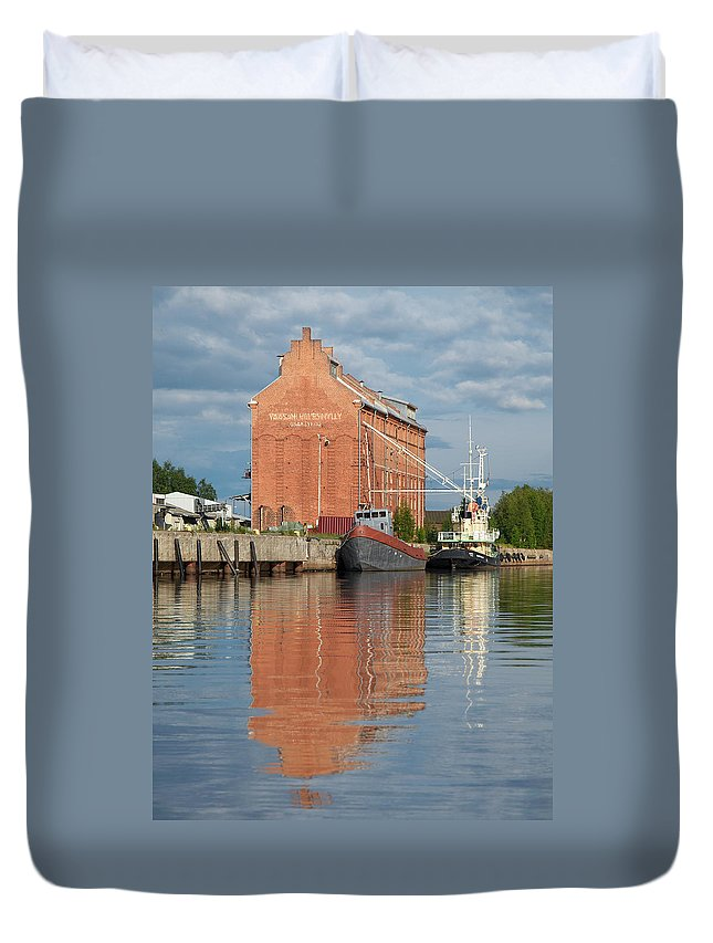 Oulu Duvet Cover featuring the photograph Oulu From The Sea 3 by Jouko Lehto