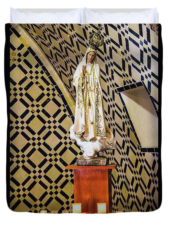 Fatimo Duvet Cover featuring the photograph Our Lady Of Fatima by Roberta Bragan