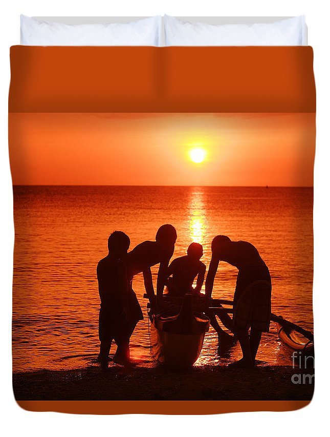 Boy Duvet Cover featuring the photograph Outrigger Sunset Silhouet by Vince Cavataio - Printscapes