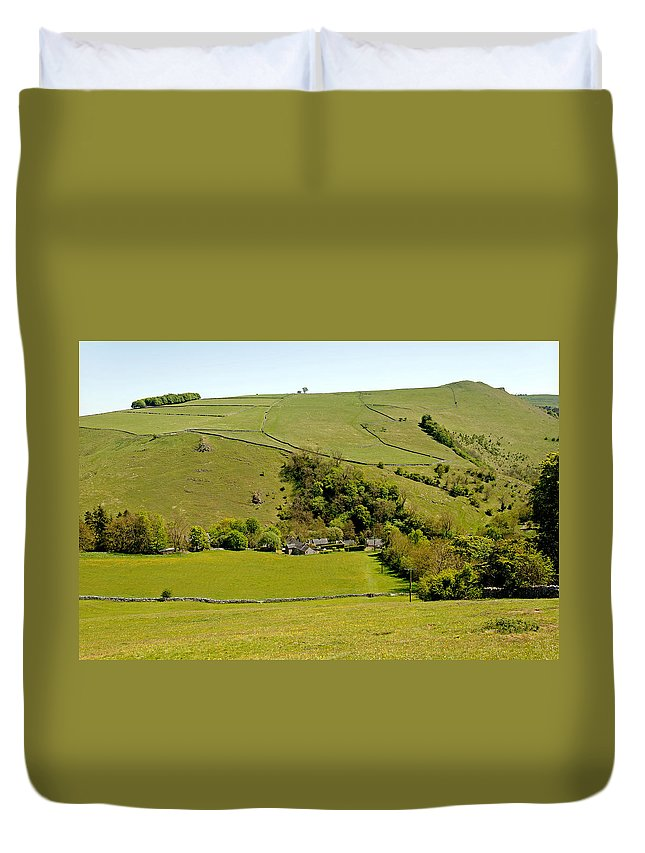 Milldale Duvet Cover featuring the photograph Overlooking Milldale by Rod Johnson