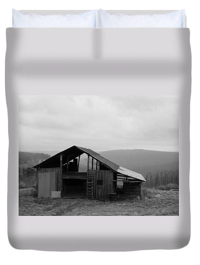 Barn Duvet Cover featuring the photograph Ozark Barn by Mary Halpin