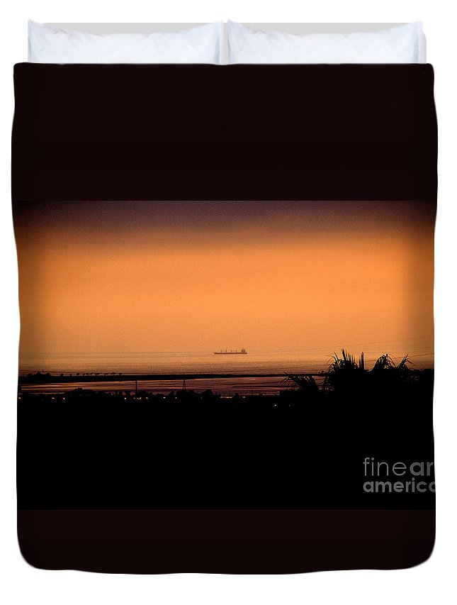 Barge Duvet Cover featuring the photograph Pacific Barge - 1 by Linda Shafer