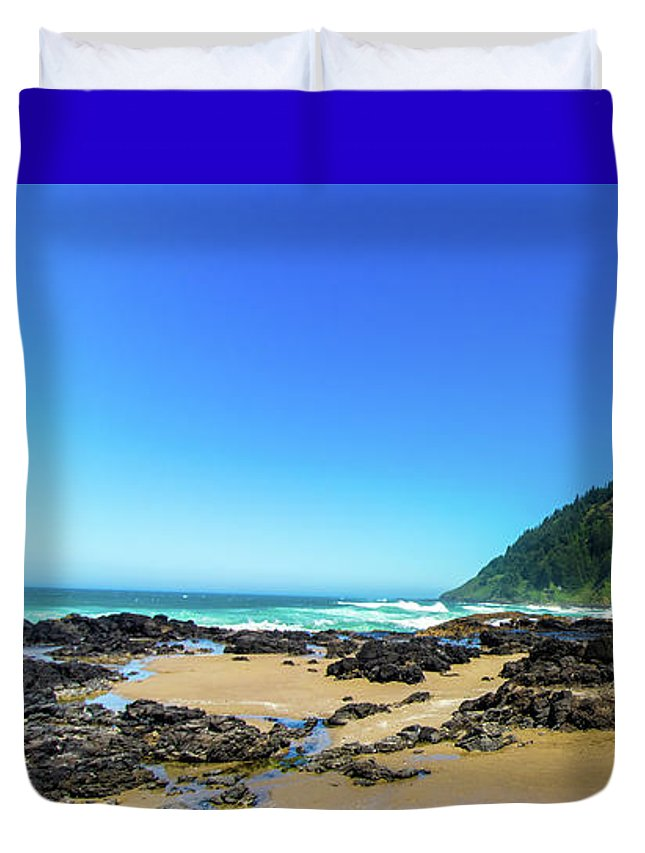 Oregon Duvet Cover featuring the photograph Pacific Beach by Jonny D