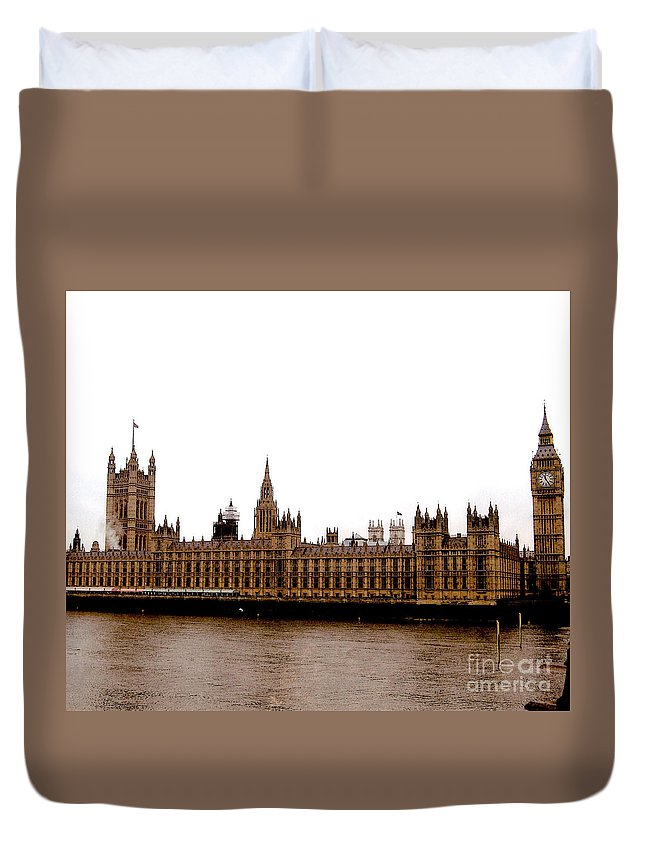Palace Of Westminster Prints Duvet Cover featuring the photograph Palace Of Westminster by Ruth Housley