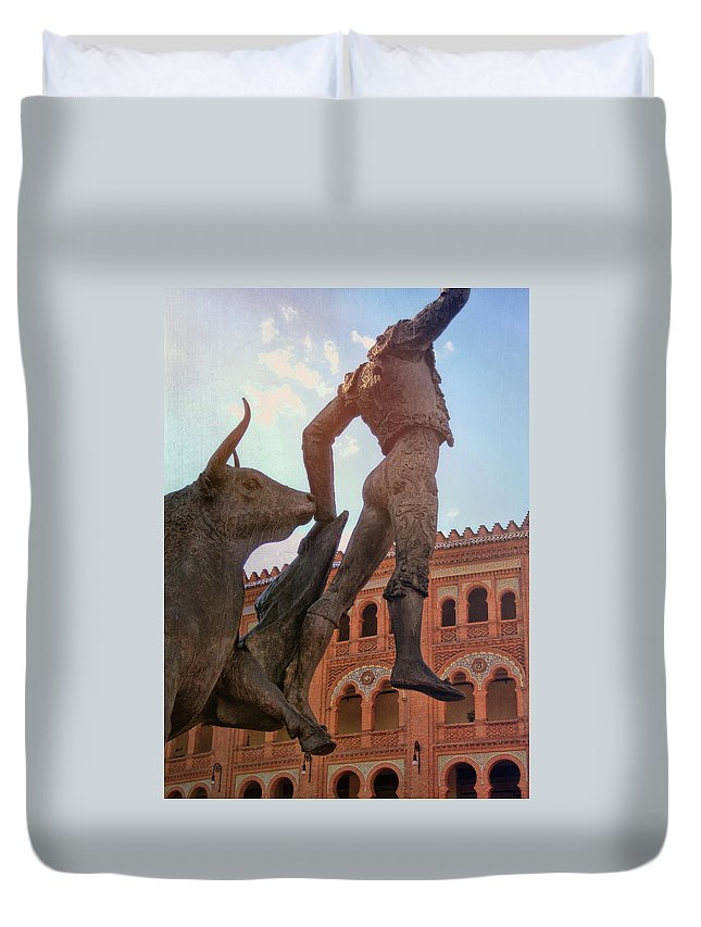 Spain Duvet Cover featuring the photograph Palco Real by JAMART Photography