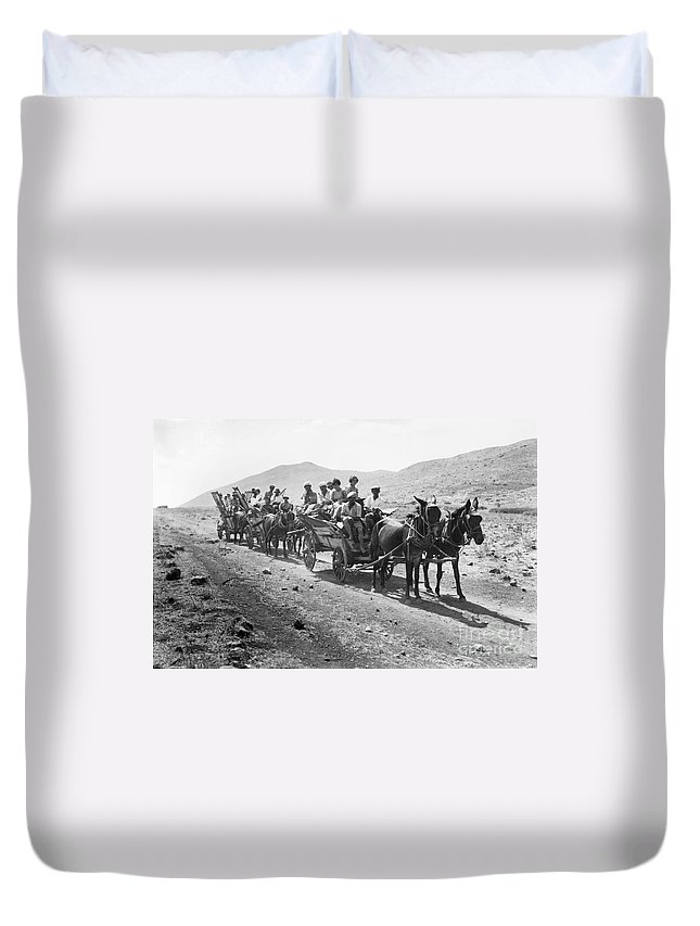 1920 Duvet Cover featuring the photograph Palestine Colonists, 1920 by Granger