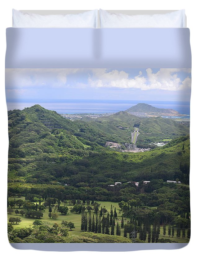 Pali Duvet Cover featuring the photograph Pali Across by Samantha Peel