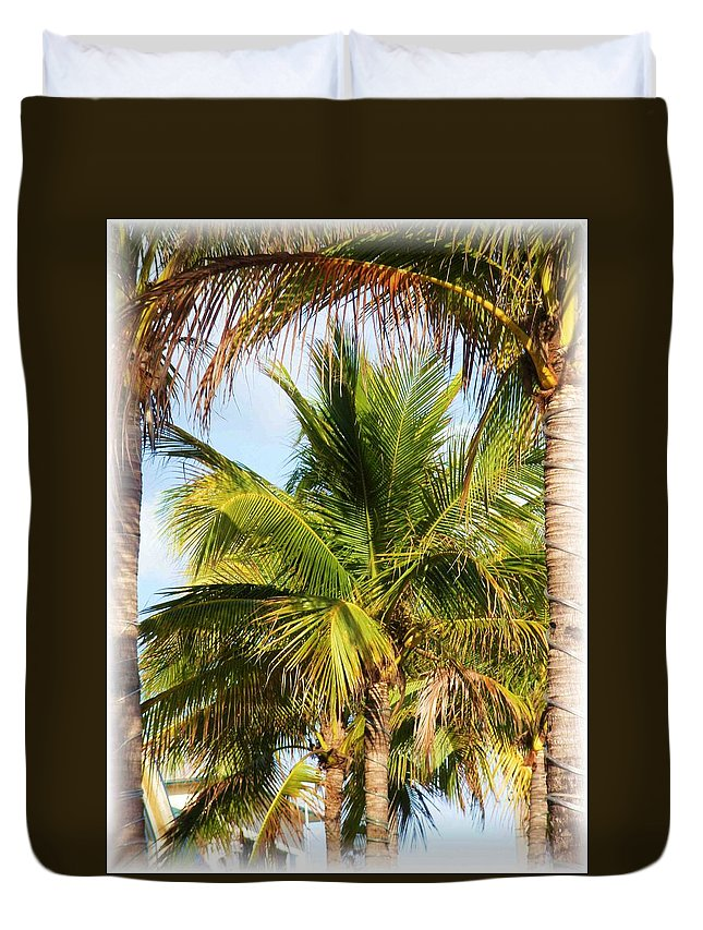 Palm Duvet Cover featuring the photograph Palm Portrait by Nelson Strong