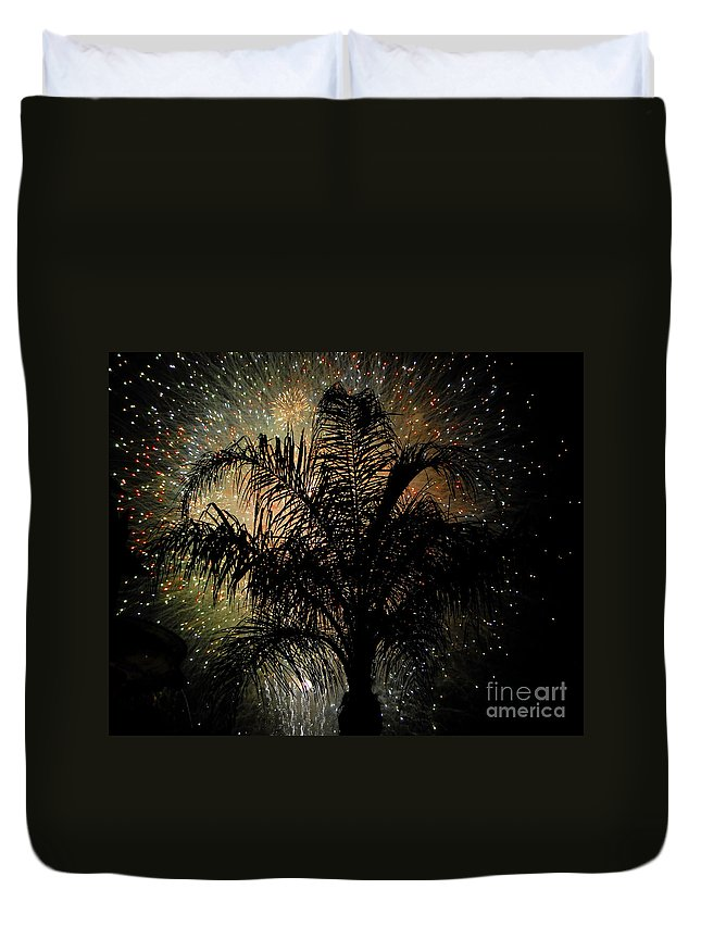 Fireworks Duvet Cover featuring the photograph Palm Tree Fireworks by David Lee Thompson