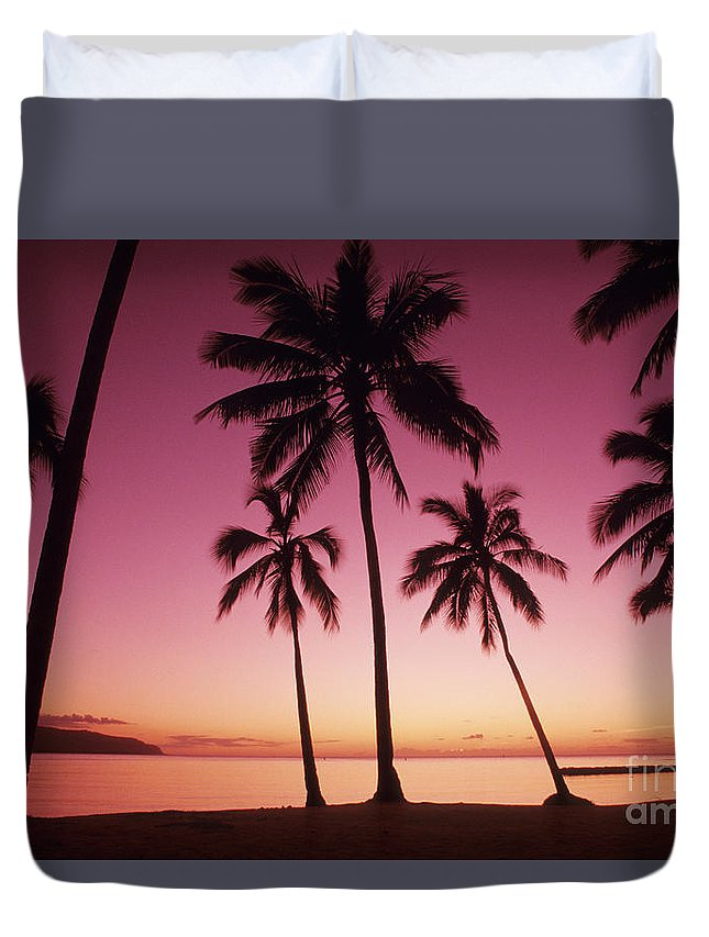 Beach Duvet Cover featuring the photograph Palms Against Pink Sunset by Carl Shaneff - Printscapes