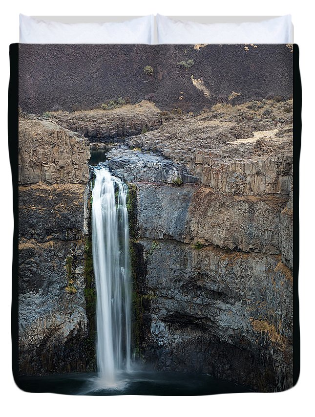 Action-motion Duvet Cover featuring the photograph Palouse Falls 4 by Dan Hartford