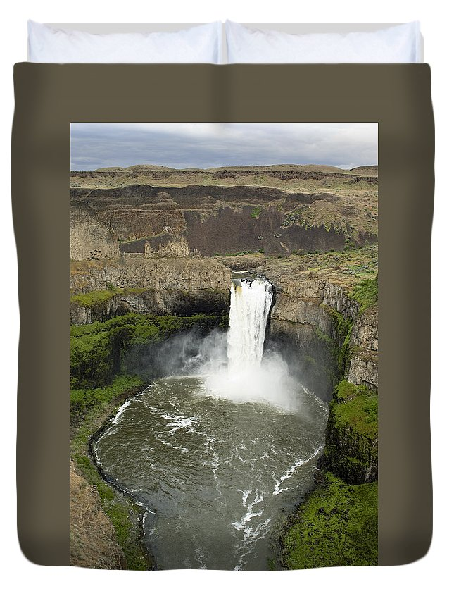 Falls Duvet Cover featuring the photograph Palouse Falls State Park by Louise Magno