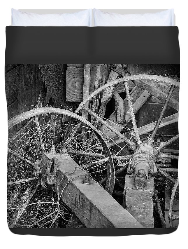 Tools Duvet Cover featuring the photograph Palouse Farm Wheels 3156 by Bob Neiman