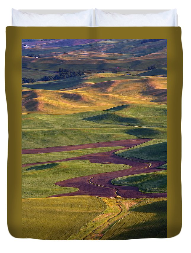 Palouse; Hills Duvet Cover featuring the photograph Palouse Hills by Mike Dawson