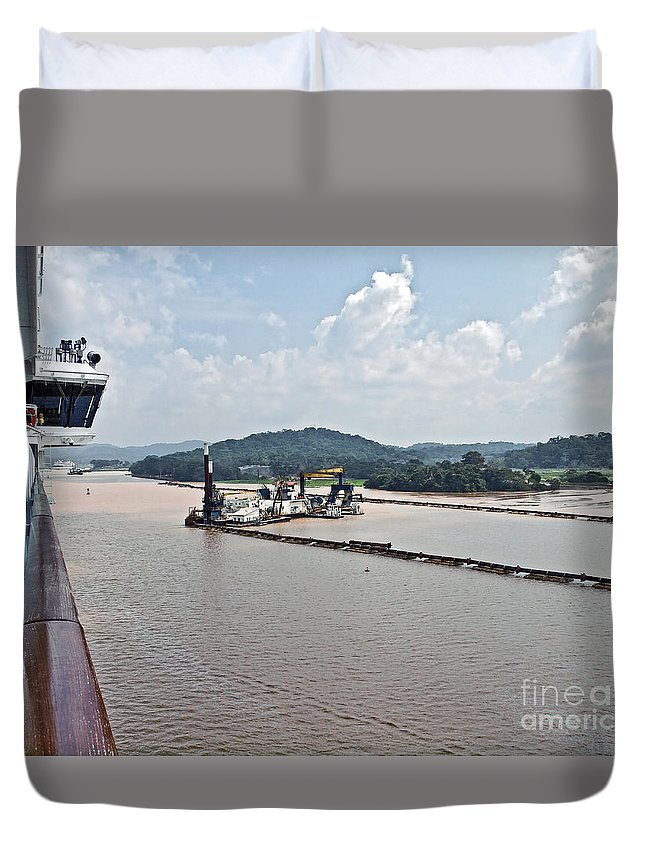 Barge Duvet Cover featuring the photograph Panama049 by Howard Stapleton