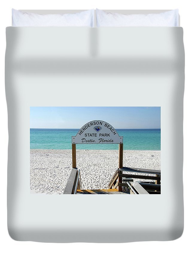 Fine Art Photography Duvet Cover featuring the photograph Panhandle Jewel by David Lee Thompson