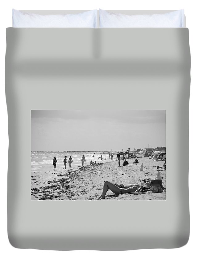 Black And White Duvet Cover featuring the photograph Paradise Beach In Black And White by Rob Hans