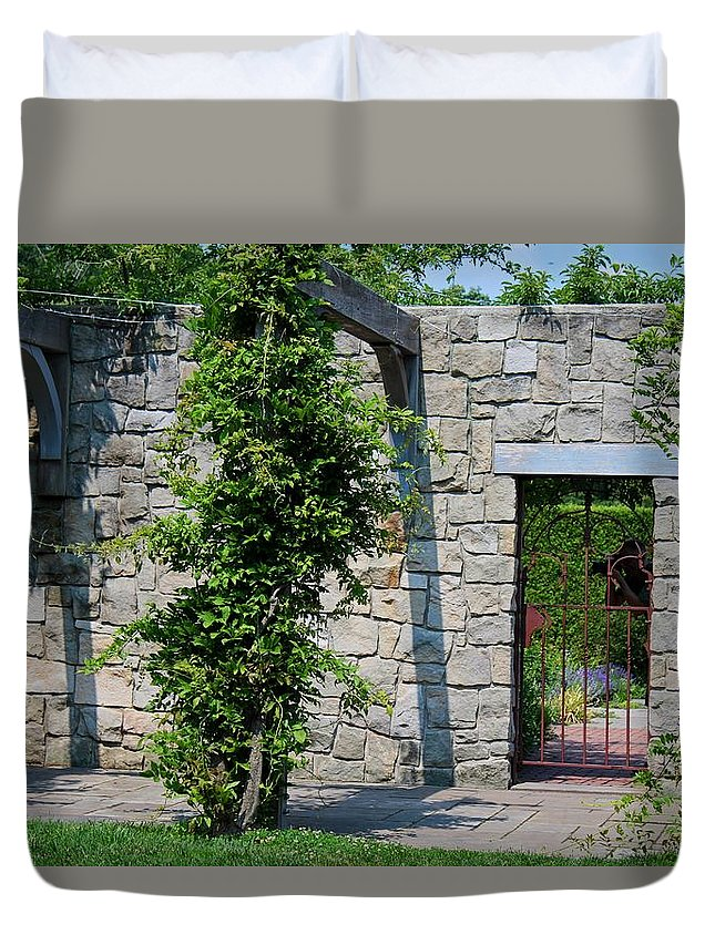 Toledo Duvet Cover featuring the photograph Paragon Of Hope by Michiale Schneider