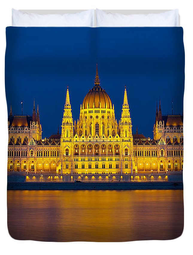 Budapest Duvet Cover featuring the photograph Parliament On The Danube by Peter Kennett