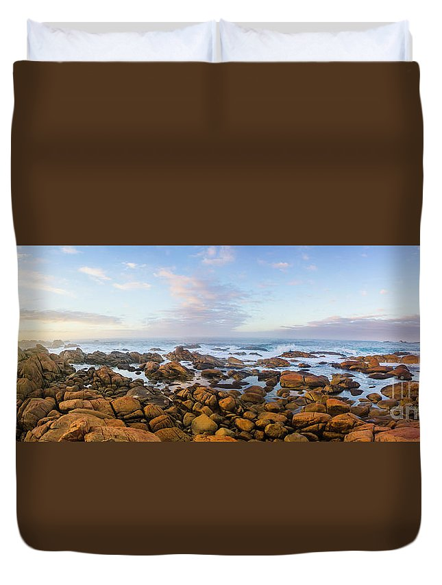 Landscape Duvet Cover featuring the photograph Pastel Tone Seaside Sunrise by Jorgo Photography - Wall Art Gallery