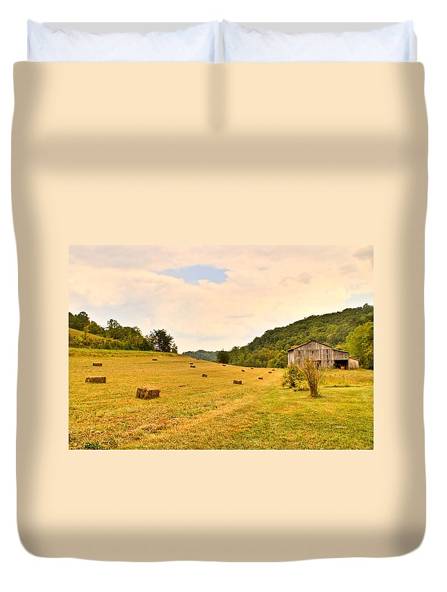 Pastorial Duvet Cover featuring the photograph Pastorial Framland In Kentucky by Douglas Barnett